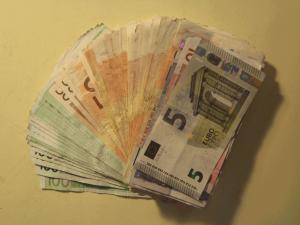 geld2560x1920px-300x225